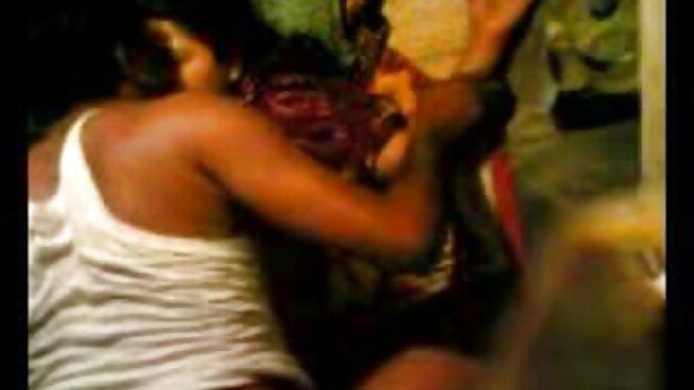 মাই বাংলা sax video এর বড়ো বুকের মেয়ের পরিণত মাই এর বিবস্ত্র