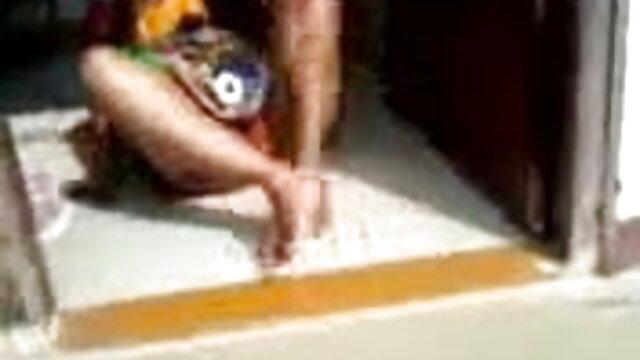হালকা বাংলাচুদাচুদি xxx করে ছোট মাই