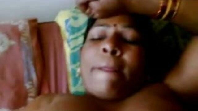 সুন্দরি সেক্সি মহিলার দ্বৈত মেয়ে বাংলা চোদাচুদি xxx ও এক পুরুষ