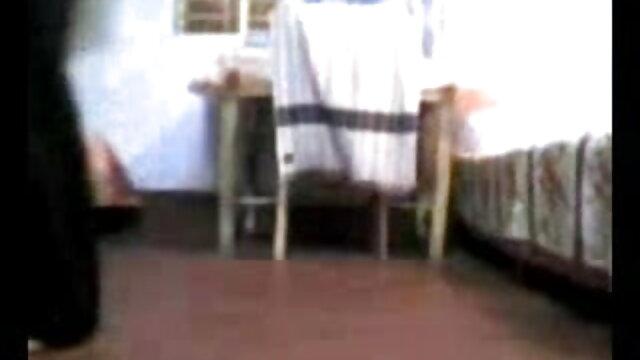 পেশী, একটি বাংলা এক্স নেকেড বন্ধুর সাথে, ক্রীড়া ক্রীড়াবিদ দুই নিতে