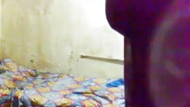 বাড়ীতে নিউ বাংলা ভিডিওx তৈরি