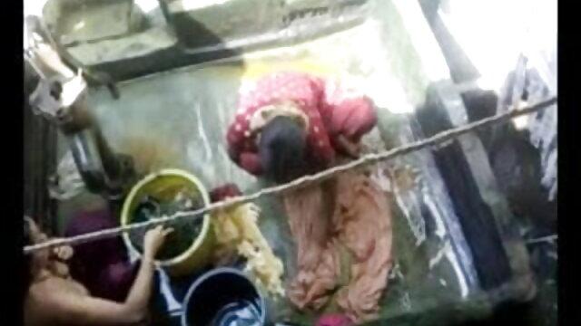 জোড়া বাঁড়ার চোদন সুন্দরী বালিকা এশিয়ান xxx বাংলা video অনুপ্রবেশ