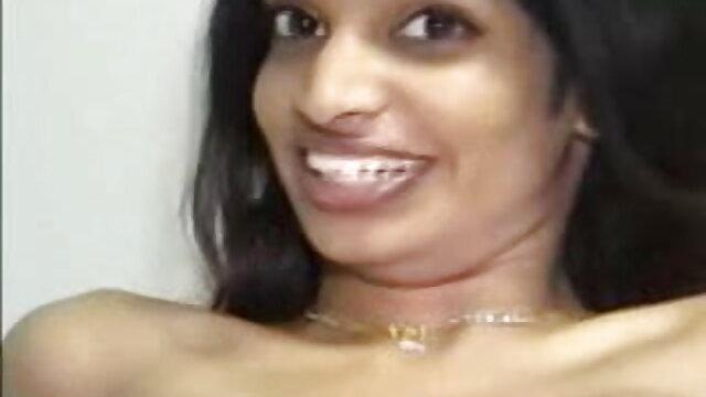 বাঁড়ার বাংলা ভিডিও xxx com রস খাবার